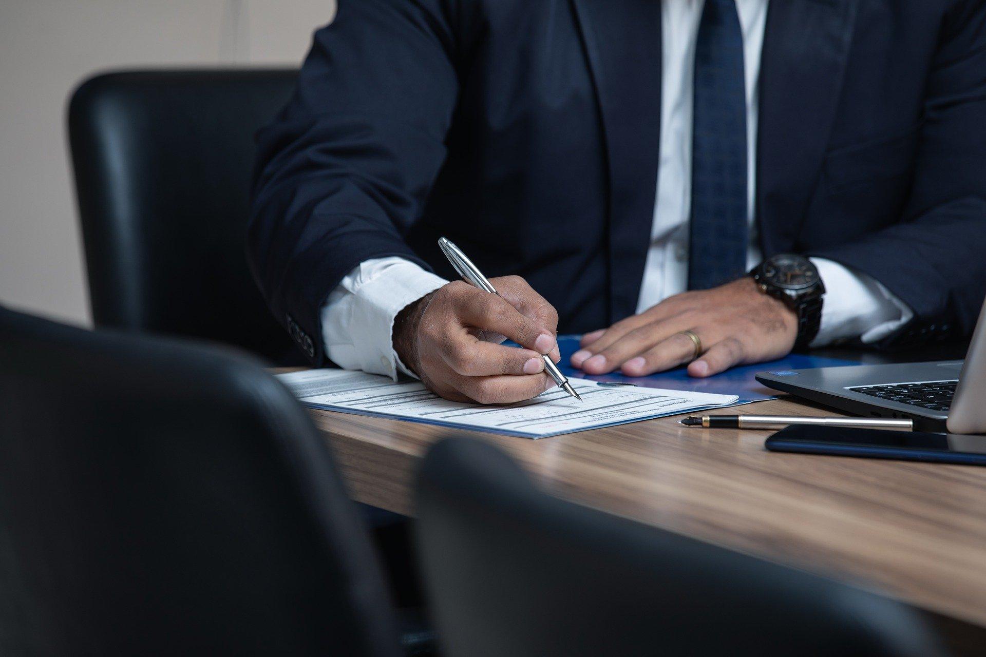 Kiedy pomoże notariusz? Wykaz usług notarialnych