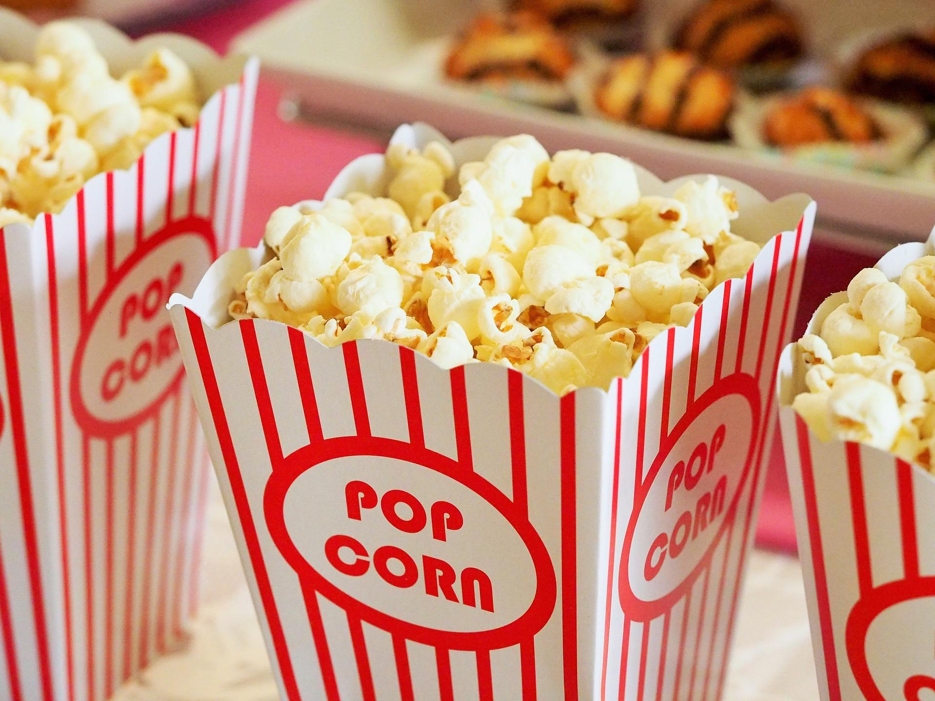 Popcorn w kartonowym opakowaniu